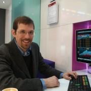 Friedrich Schäuffelhut auf der E-World am Stand von Bloomberg